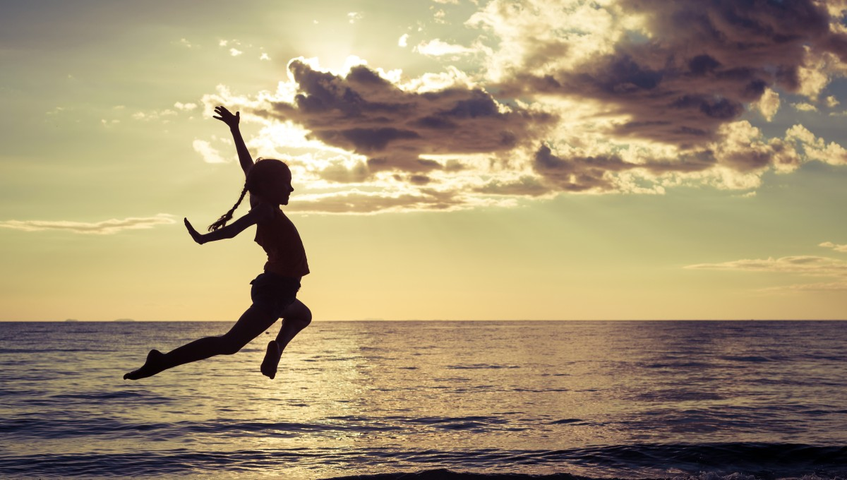 ジャンプしている人